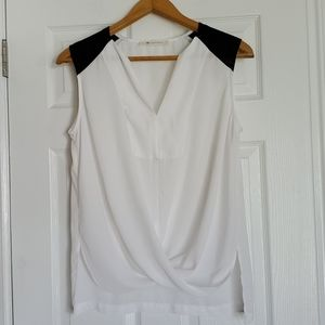 The Impeccable pig white black sleeveless blouse M